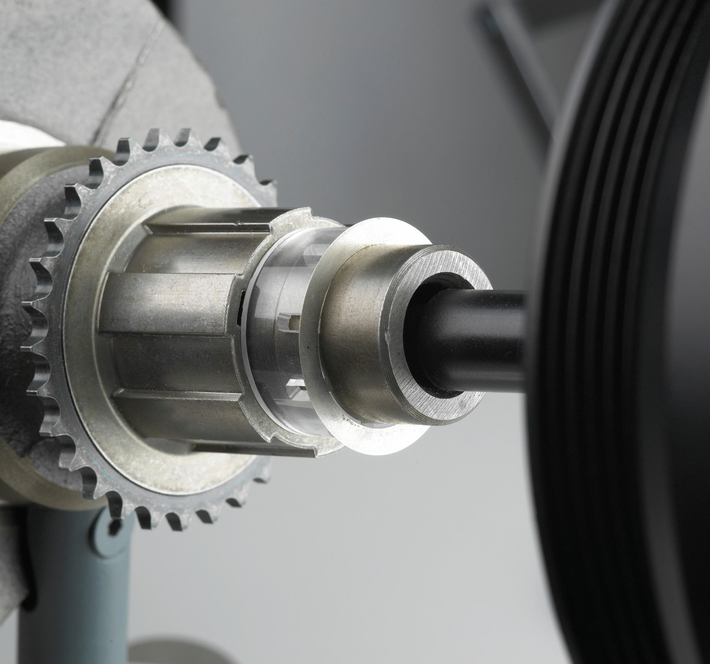 Bild 3 Im Bereich der Motorentechnik, in der Automobilindustrie, im Maschinenbau und in der Windkraftindustrie erhöhen Friction Shims die Leistungsfähigkeit von Konstruktionen. Bild: 3M