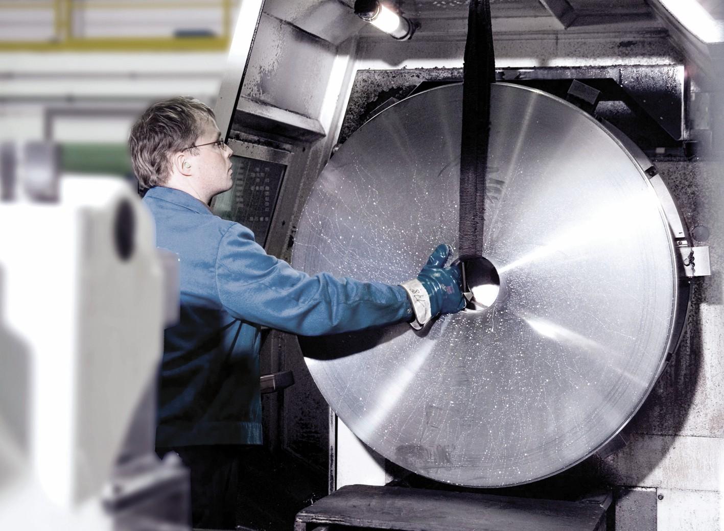 Bild 2 KTR fertigt Bremsscheiben mit einem Durchmesser bis 1500mm selbst. Bild: KTR