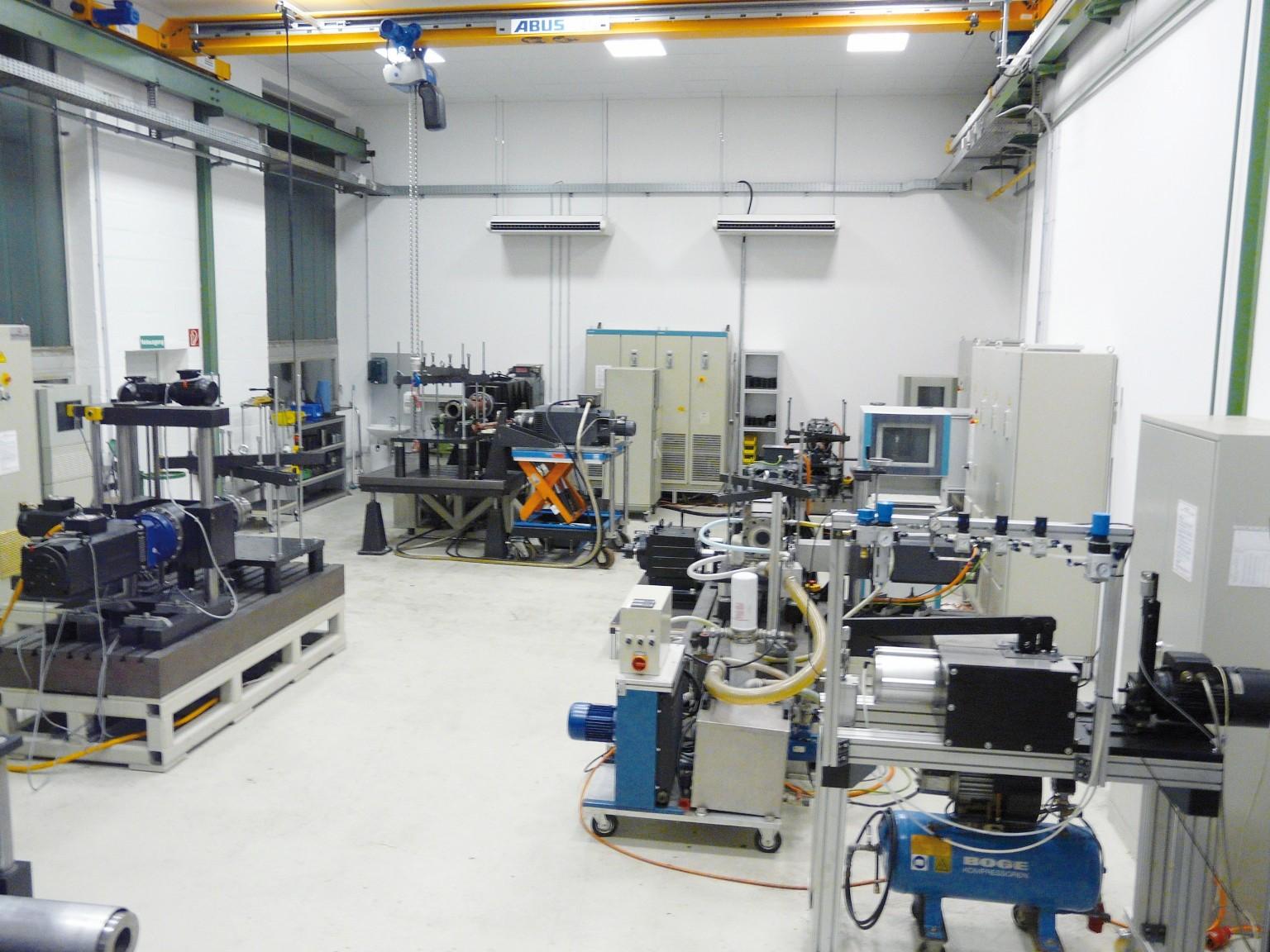 Bild 2 Ein Blick in das neue Prüffeld der Firma ZAE-AntriebsSysteme. Bild: ZAE