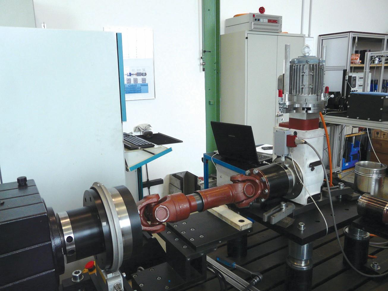 Bild 6 Überprüfung eines Q-Torque-Messsystems auf einem ZAE-Getriebeprüfstand. Bild: ZAE
