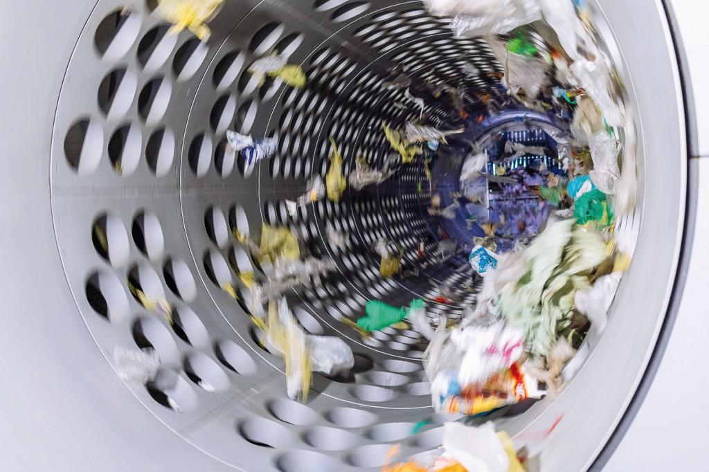 120.000 Tonnen Leichtverpackungen werden in der Meilo jährlich sortiert. Bild: Lobbe (7), Vogt (2)