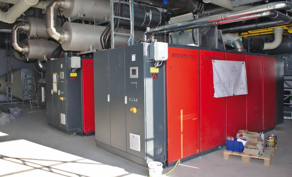 Zwei BHKW (hybrid) zur kombinierten Abluftreinigung, Stromerzeugung und Wärmebereitstellung. Bild: Rafflenbeul Anlagenbau GmbH