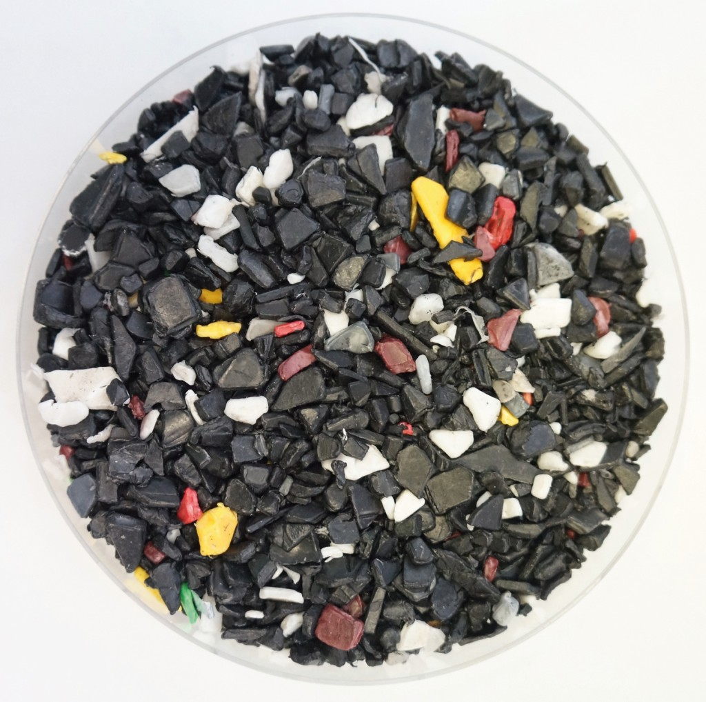 Polypropylenmahlgut aus Autobatterien. Bild: Starlinger & Co. GmbH