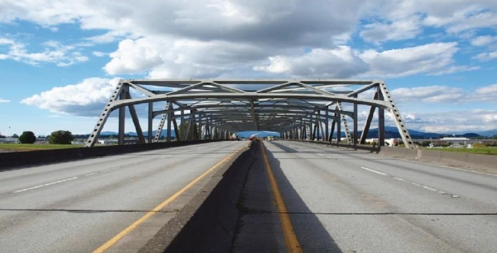 Bild 2 Nordportal der Skagit River Bridge (aus [5]). Quelle: R. Konersmann
