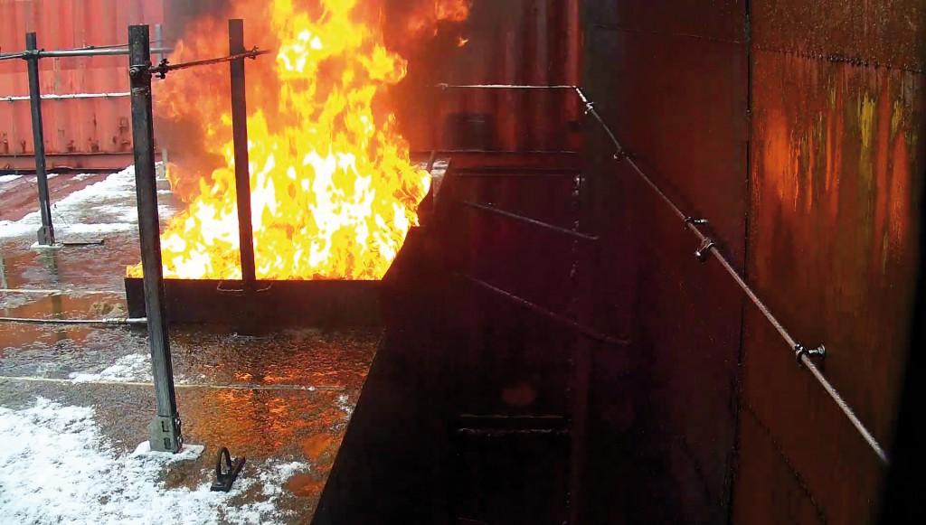 Bild 3 Versuchsbrand. Quelle: IFAB