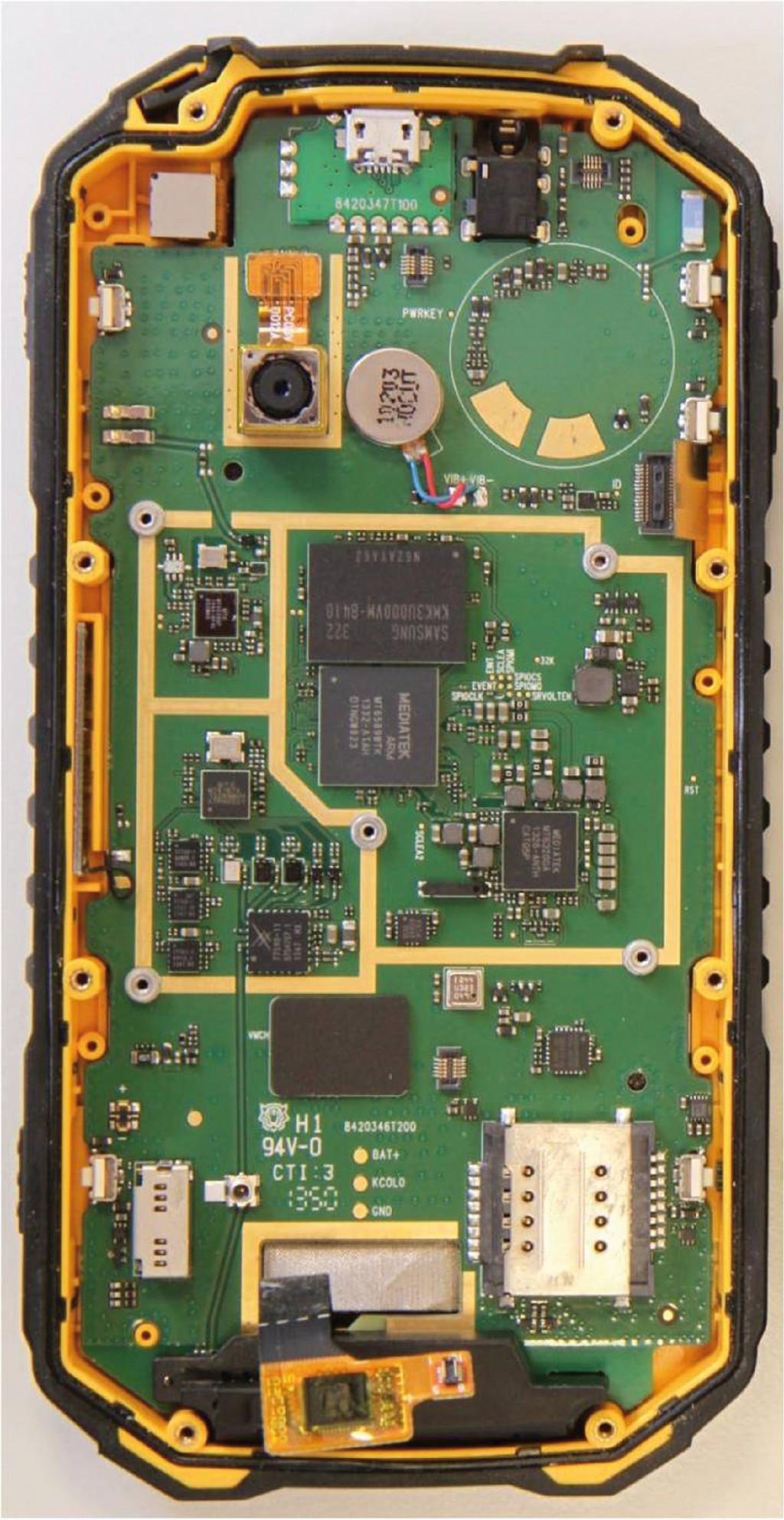 Bild 3 Hauptplatine eines Smartphones. Quelle: PTB
