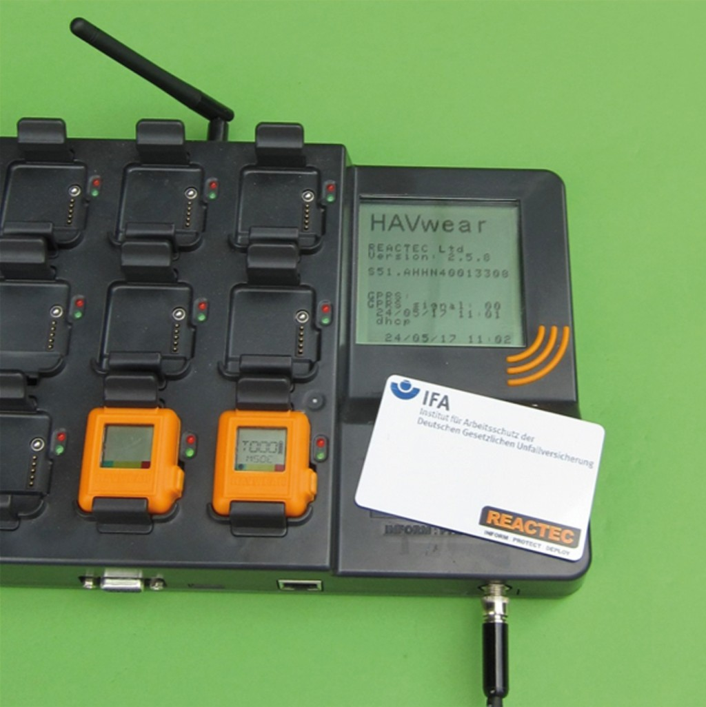 Bild 3 Dockingstation des Dosimeters (HAVwear-System). Quelle: DGUV