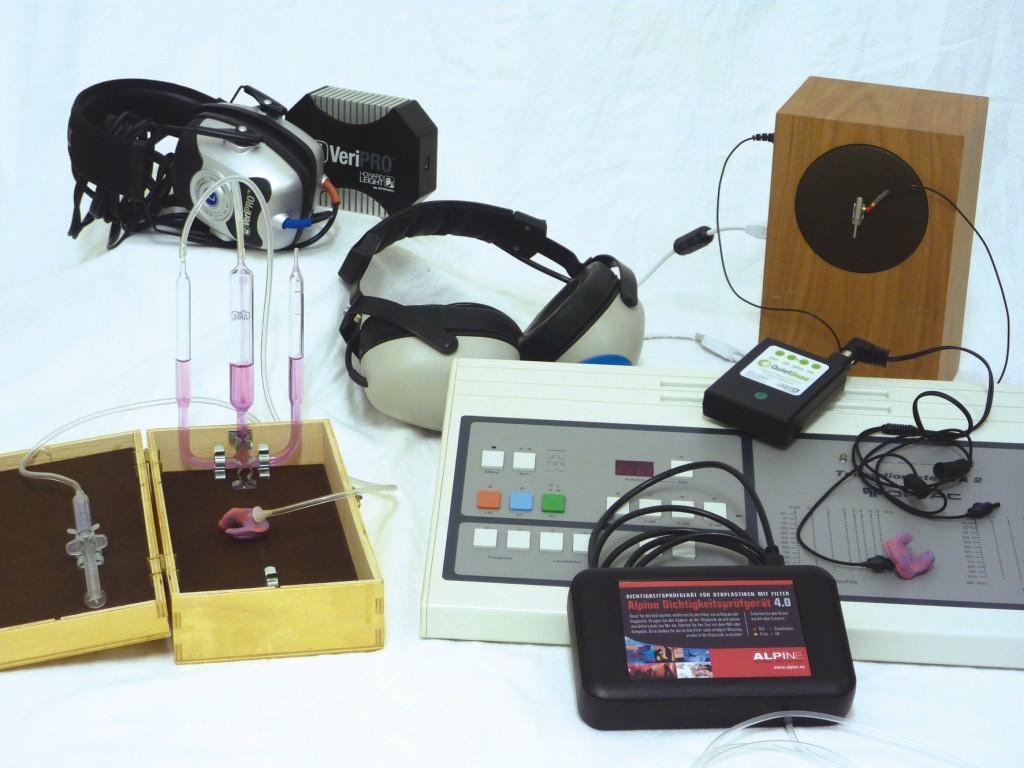 Bild 6 Beispiele für Geräte zur Funktionskontrolle (Überdruck- und akustische Verfahren). Quelle: BGHM