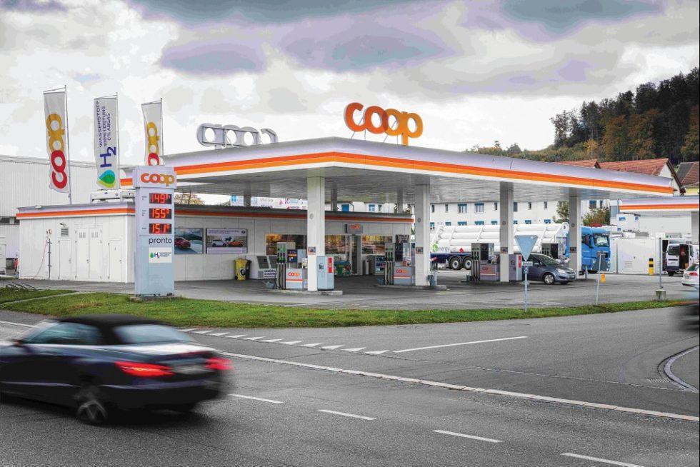 Der Handelskonzern Coop eröffnete im ‧November 2016 die erste Wasserstofftankstelle in der Schweiz. Bild Coop Genossenschaft
