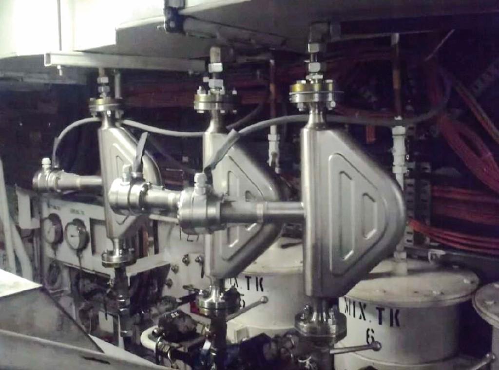 Drei Durchflussmessgeräte messen den Durchfluss von Treibstoffen im Maschinenraum. Bild: Krohne Gruppe