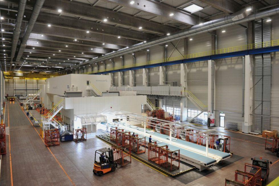 """Eine der größten Servo-Pressenlinien in Europa arbeitet seit Kurzem in Hannover und begeisterte die Besucher mit """"gigantischen"""" Dimen‧sionen sowie hochmoderner Technik.Bild: VW/Etmanski"""