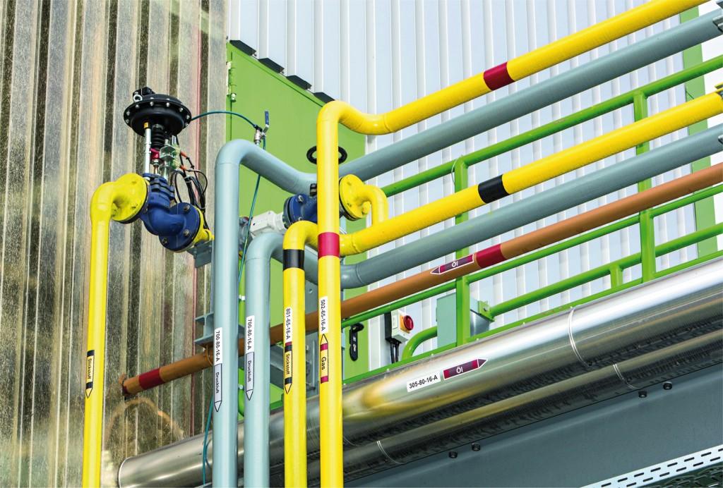 Rohrbrücke mit Öl- und Gasleitungen. Bild: Vega