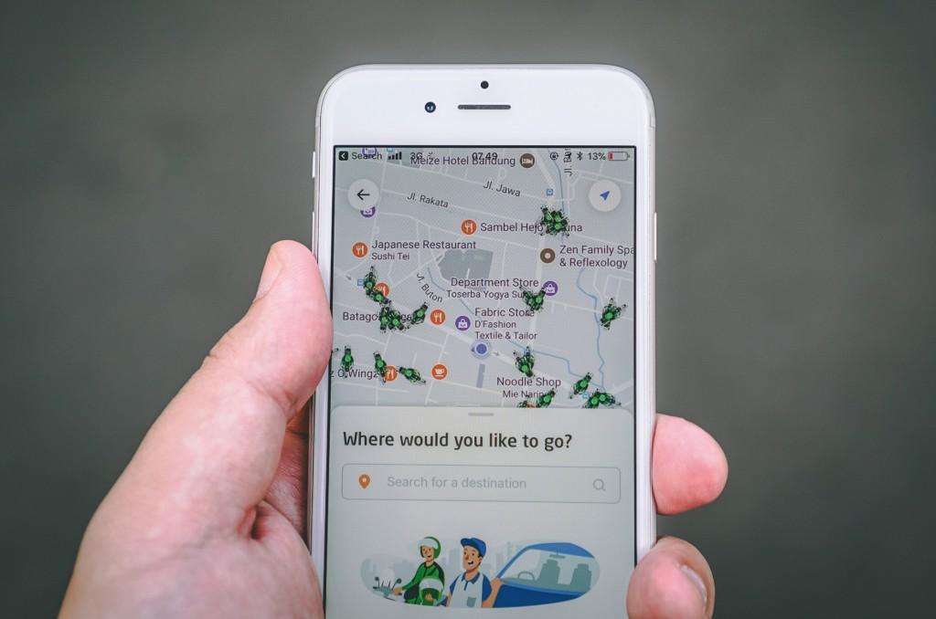 Mit einer App ist auf dem Smartphone zu erkennen, wo Windelboxen stehen. Bild: Procter & Gamble
