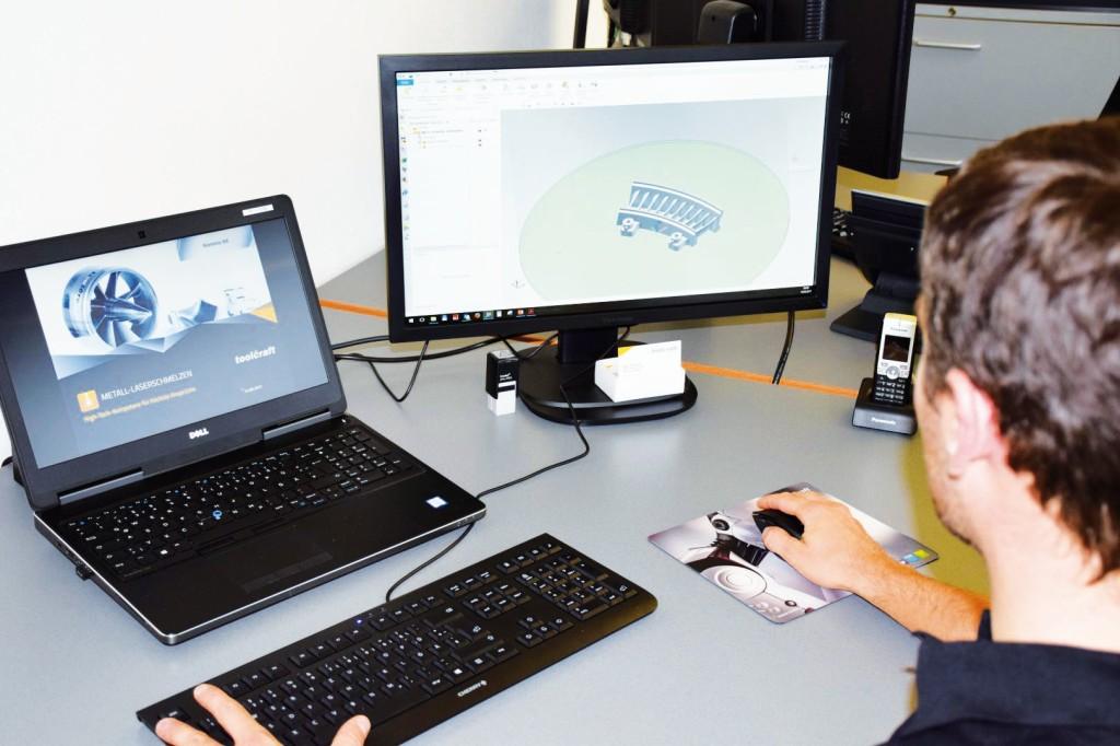 """Bild 2. Die Software """"NX"""" von Siemens sichert die Durchgängigkeit des Herstellungsprozesses. Bild: Toolcraft"""