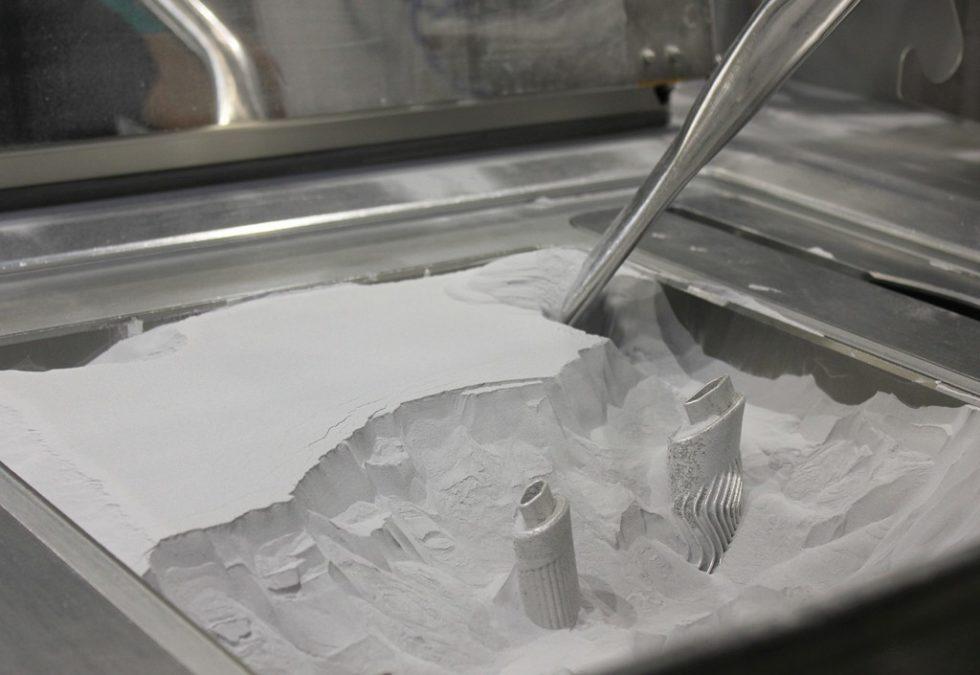 Bild 1. Für den Einsatz in der Automobilindustrie sieht csi das pulverbettbasierte ‧Laserschmelzen als besonders zukunftsträchtiges additives Fertigungsverfahren. Bild: csi