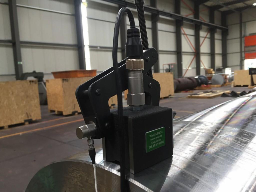 Bild 2. MEMV-Messsonden bei der Anwendung an einem großen Bauteil. Bild: WIAP