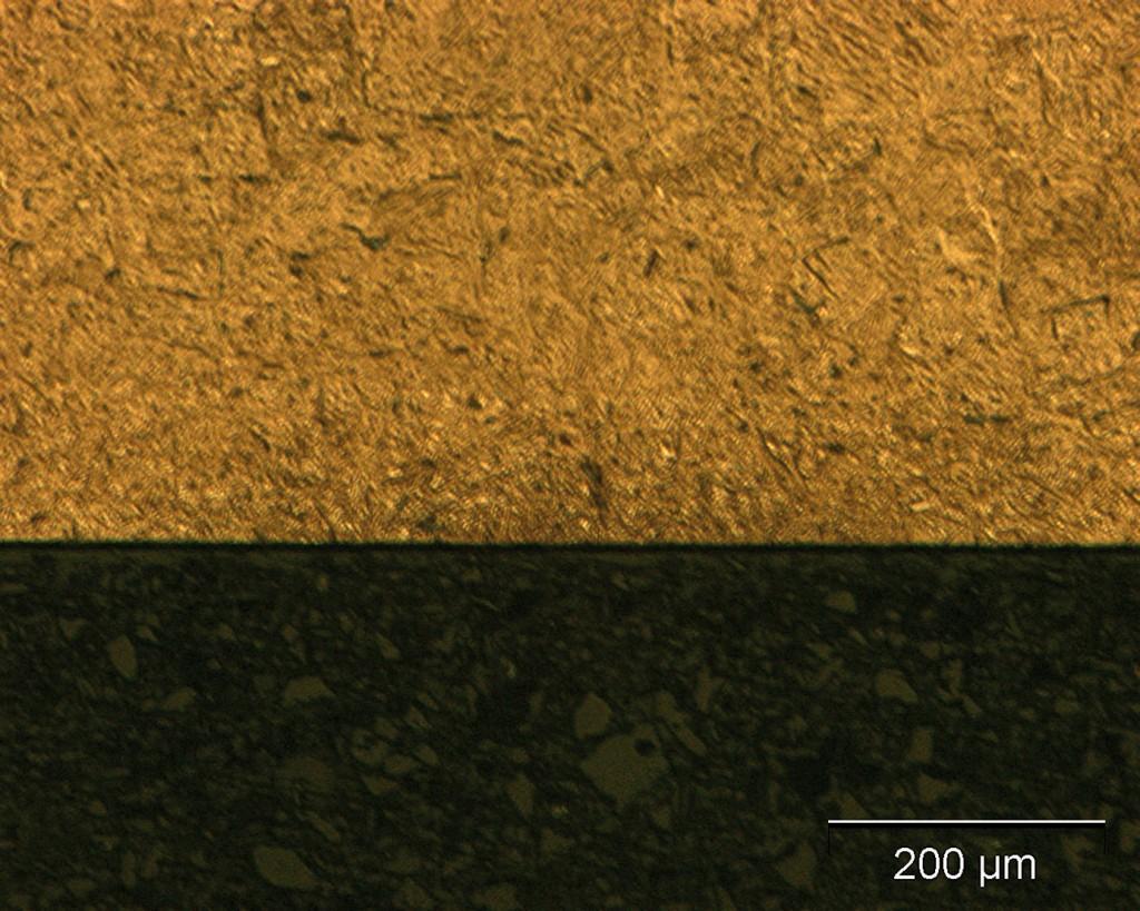 Bild 2. Bei einer Behandlung der Probe mit geringer Laserleistung sind keine optisch sichtbaren Gefügeänderungen zu sehen. Bild: FHWS