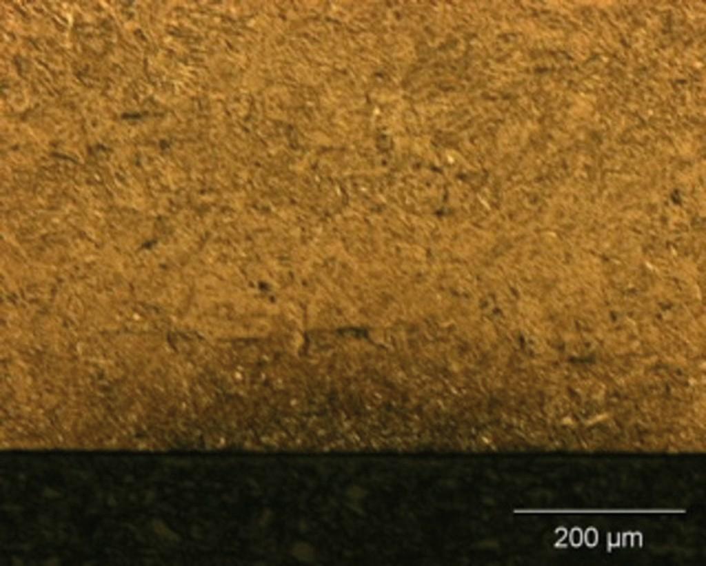 Bild 3. Behandlung mit jeweils höherer Laserleitung: oben ist nur eine Anlasszone, unten eine Anlasszone mit Neuhärtezone zu sehen. Bild: FHWS