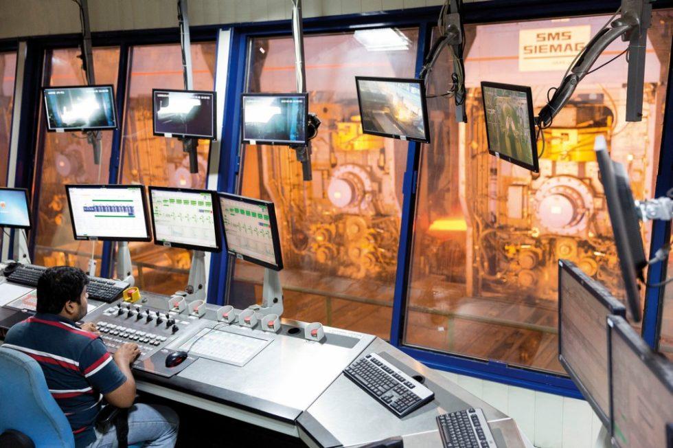 """Bild 1. Der größte Anbieter von ‧Walzstraßen und Hüttenwerken für die Stahlindustrie setzt bereits seit vielen Jahren auf """"smarte"""" ‧Service-Lösungen. Bild:SMSGroup"""