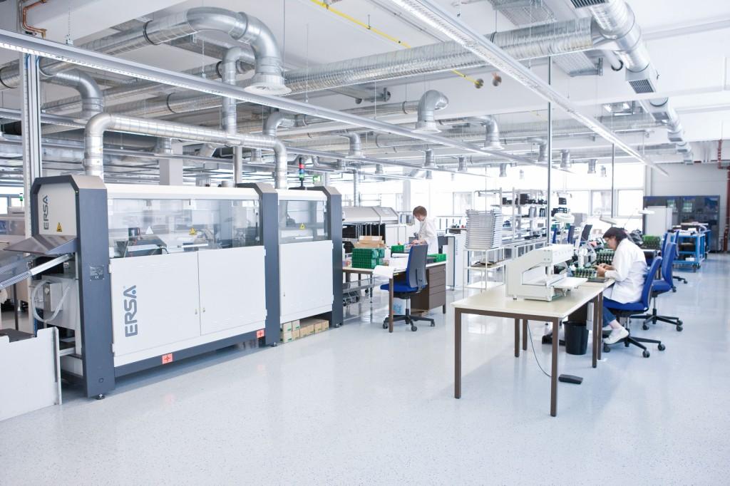 Bild 2. Sowohl in der Fertigungs- als auch bei der Prozessindustrie helfen Automatisierungslösungen, Abläufe effizienter zu gestalten. Bild: Krohne
