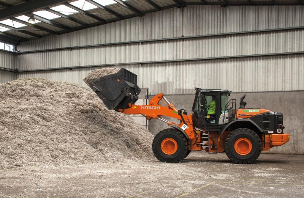 Verladen des Endmaterials: Einsatzstoffe für die Zementindustrie. Bild: Nehlsen GmbH & Co. KG