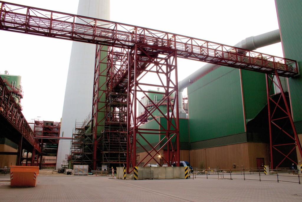 Mitten im Kraftwerk Schkopau versorgt die neue Dosieranlage beide Braunkohleblöcke mit Aktivkohle.Bild: Felicitas Förster