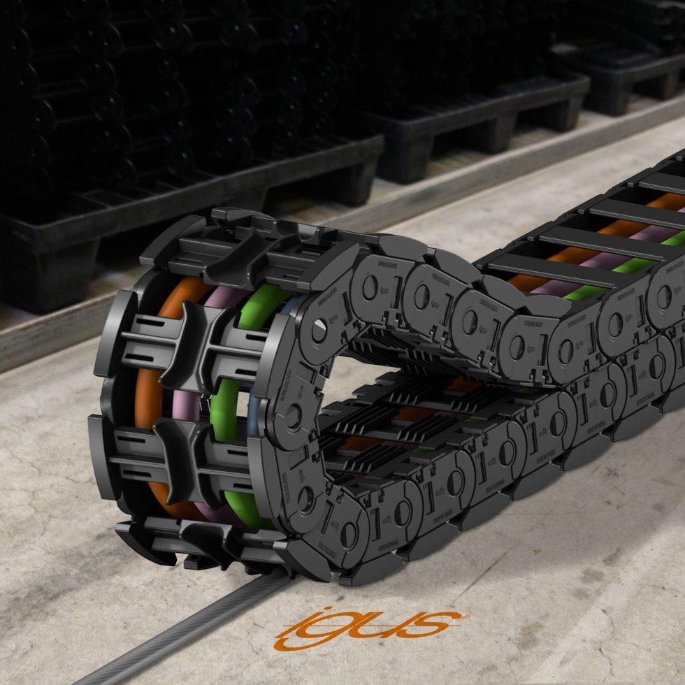 Das Energiekettensystem Autoglide 5 lässt sich um 88 % schneller montieren als ein Rinnensystem. Foto: Igus