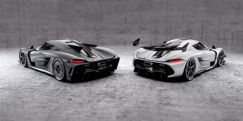 Zwei ungleiche Brüder: Der Koenigsegg Jesko (rechts) und der Jesko Absolut: Die Spezialversion könnte das schnellste Auto der Welt sein - theoretisch. Foto: Koenigsegg
