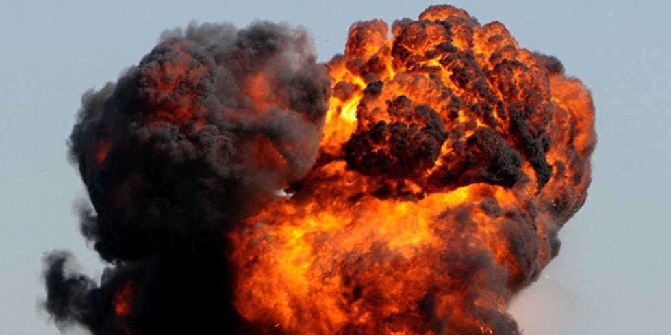 Staubexplosionen können große Druckwellen auslösen. In Explosionstests werden verschiedene Materialien auf ihre Explosionseigenschaften untersucht. Foto: panthermedia / icholakov01