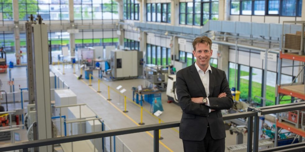 Prof. Dr.-Ing. Alexander Klein MBA ist Professor an der Hochschule Rhein-Waal. Derzeit absolviert er ein Forschungssemester beim Erntemaschinenhersteller Claas. Foto: Klein