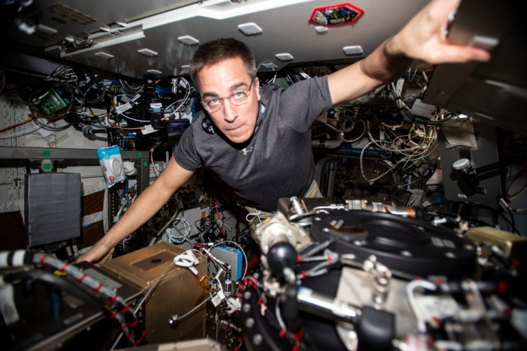 US-Astronaut Christopher Cassidy auf der ISS. Foto: Nasa