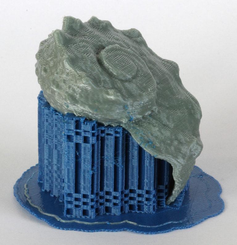 Für manche Formen ist im 3D-Druck eine Stützstruktur notwendig. Foto: IKT, Universität Stuttgart