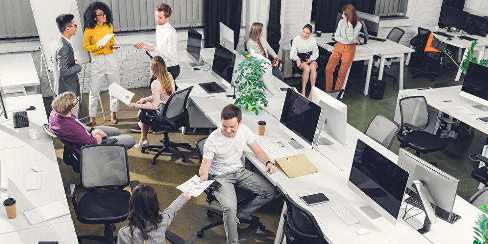 Der Büroalltag hat sich durch Corona massiv verändert. Foto: panthermedia.net/AllaSerebrina