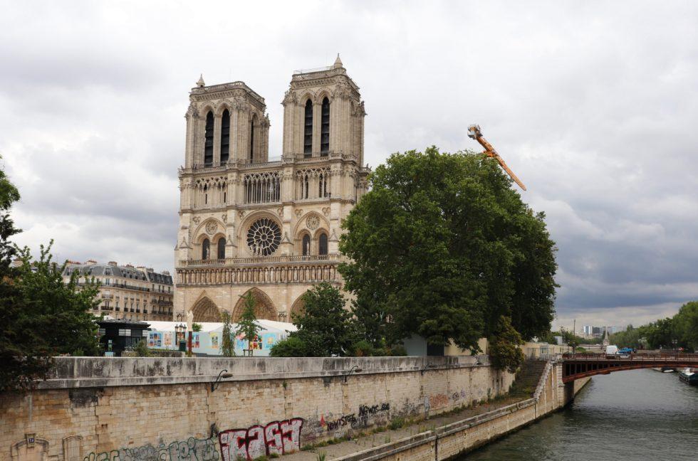 Notre Dame Seitenansicht