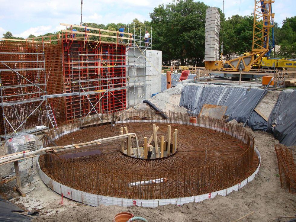 Kläranlage Schwepnitz, Stahlbetonarbeiten am Nachklärbecken. Foto: Ingenieurbüro Hans Wolf & Partner GmbH, Dresden