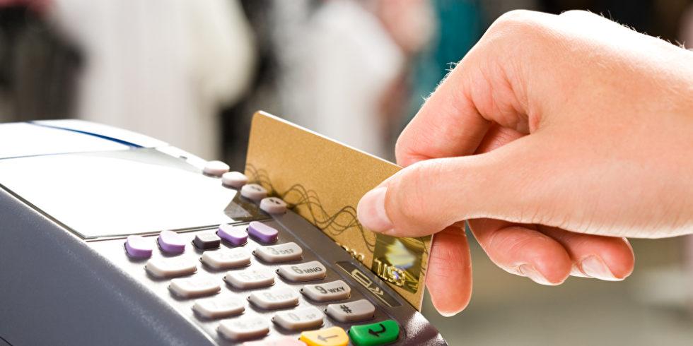 Kunden, die Prepaid-Kreditkarten nutzen, könnten nach dem Wirecard-Skandal Geld verlieren. Foto: panthermedia.net/Pressmaster