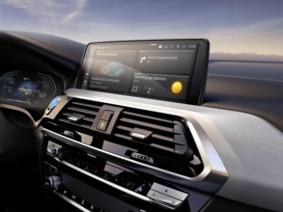 BMW iX3: Autobauer stellt rein elektrische SAV vor – und macht überraschende Ankündigung