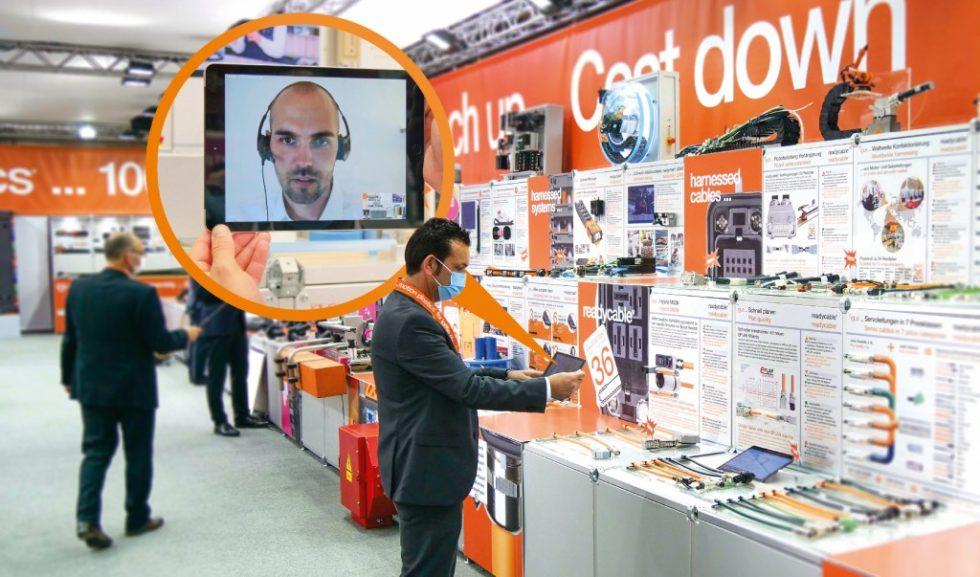 """Die digitale """"Neuheiten-Messe"""" zeigt 100  frisch entwickelte Produkte auf einer 400 Quadratmeter großen Fläche, die wie ein realer Messestand aufgebaut ist, Bild: igus"""