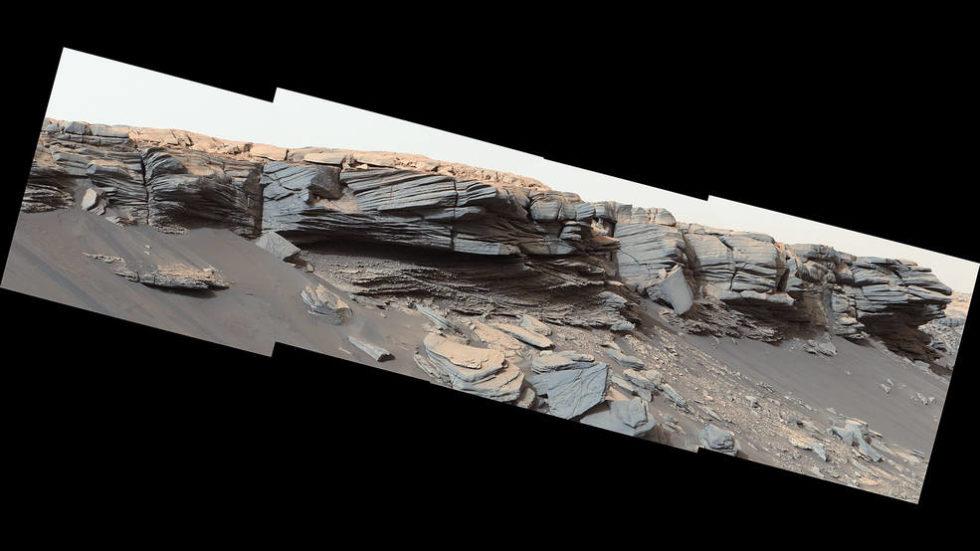 Die Texturen in der Mitte dieses Bildes wurden vor Milliarden von Jahren durch Wasser gebildet. Der Curiosity Mars Rover der Nasa entdeckte sie, als er am 24. Februar 2020 den Hang des Greenheugh-Giebels erklomm.<br />Foto: NASA / JPL-Caltech / MSSS