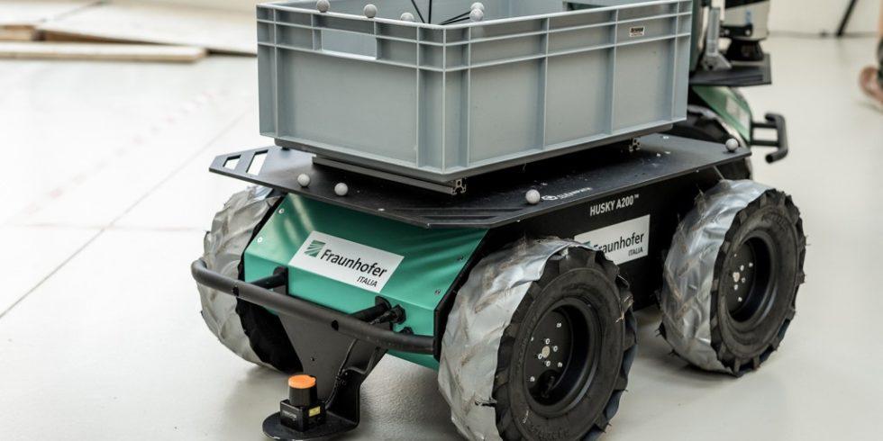 Der Roboter Husky A200 soll Lasten autonom über die Baustelle transportieren. Foto: LIVE-STYLE Eppan