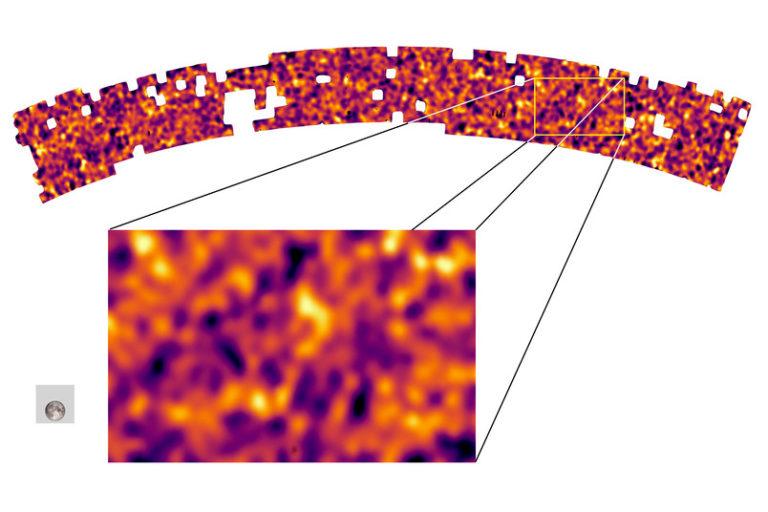 Eine Karte zeigt die Materieverteilung im Universum an: Das graue Quadrat zeigt die Größe einer einzelnen aufgenommenen Karte, mit dem Mond darin als Größenvergleich. Die Gesamtkarte besteht aus mehr als 1.000 Bildern. Bereiche mit hoher Materiedichte sind gelb gezeigt, Bereiche mit niedriger Dichte pink. Foto: B. Giblin, K. Kuijken, KiDS Team