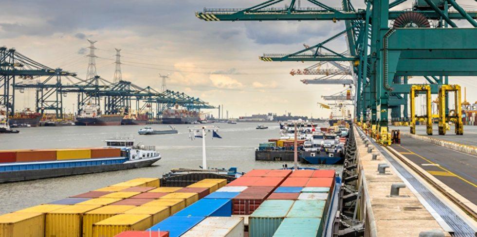 Die Häfen Ostende, Antwerpen, Zeebrugge, North Sea Port, die Flämische Wasserstraßennetz AG und Nautical Management /CNM), eine Agentur für maritime Dienstleistungen, entwickeln derzeit eine richtungsweisende Meldeplattform. Foto: panthermedia.net/CreativeNature