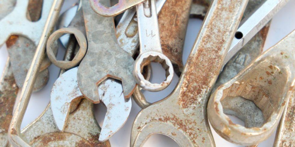 Werkzeug sollte immer gut gepflegt werden, damit die Verschraubungen sicher halten. Quelle:PantherMedia/Hanohiki