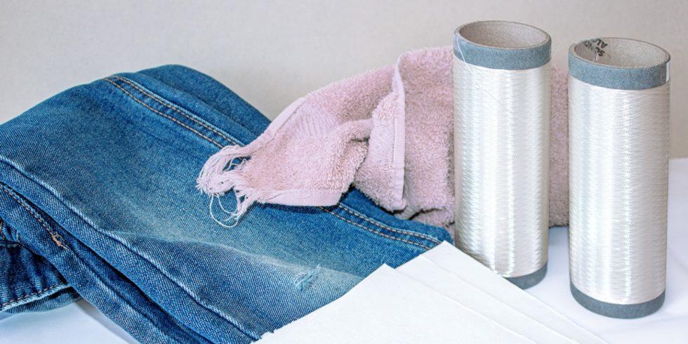 Aus einer Jeans lässt sich eine hochwertige Cellulosefaser herstellen. Foto: Fraunhofer IAP