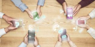 Smartphones nutzen Social Media