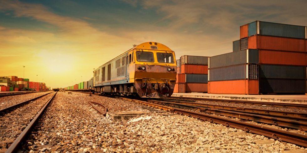 Geht es nach der DB-Energie GmbH und der LandesEnergieAgentur Hessen soll schon bald Wasserstoff kann in großen Mengen mit der Bahn transportiert werden. Foto: panthermedia.net/potowizard