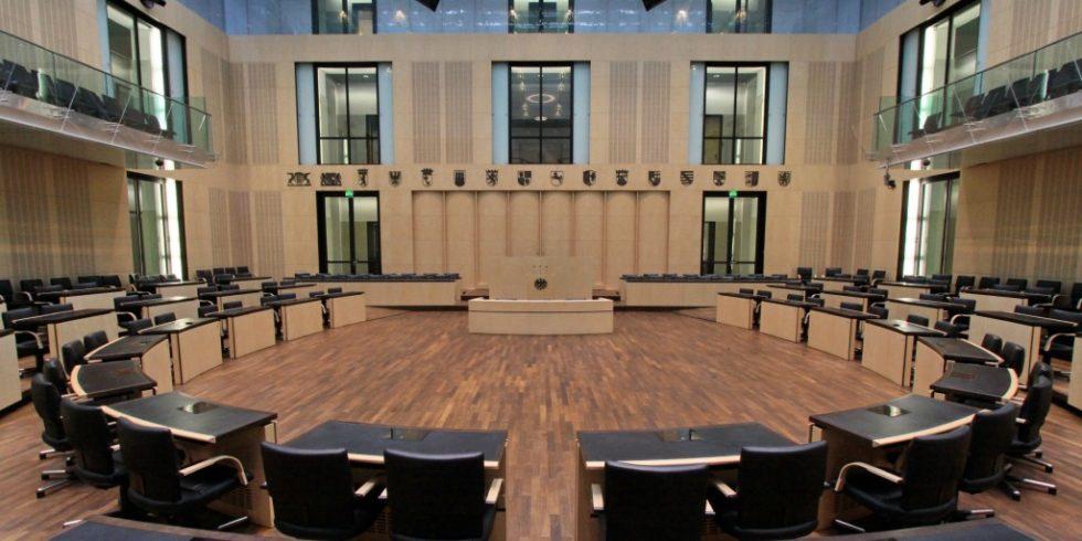 Die Bundesregierung zur Überarbeitung der Honorarordnung für Architekten und Ingenieure (HOAI) aufgefordert, die nächste Entscheidung trifft der Bundesrat. Foto: Bundesrat