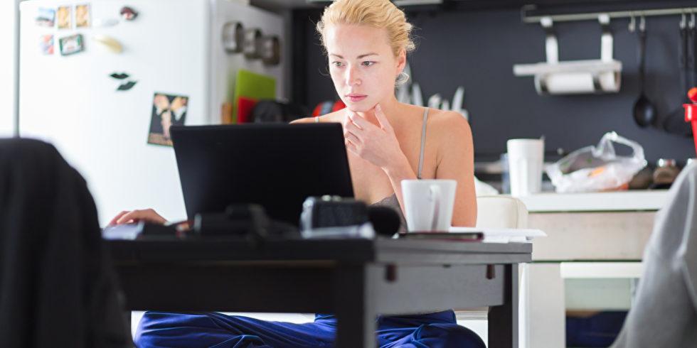 Kommt eine Homeoffice-Pflicht in Unternehmen?  Foto: panthermedia.net/kasto