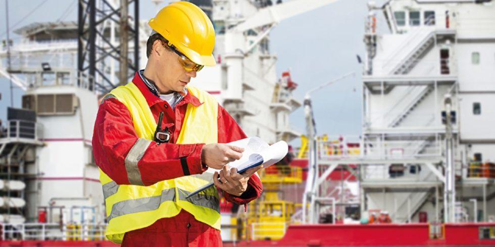 Bestimmte Anlagen und Prozesse müssen regelmäßig durch Sachverständige überprüft werden. Foto: panthermedia.net/Corepics