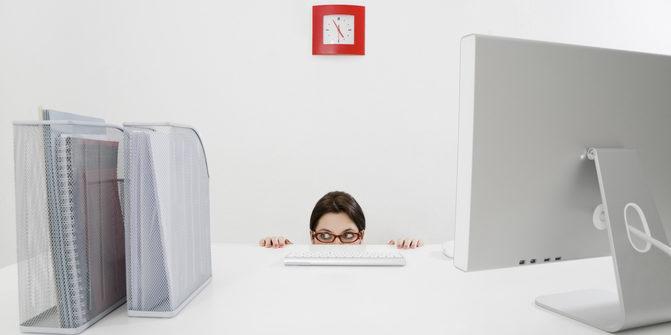 Wie wird man schnell befördert? Nun, zu große Schüchternheit schadet der Karriere eher. Foto: panthermedia.net/diego_cervo (YAYMicro)